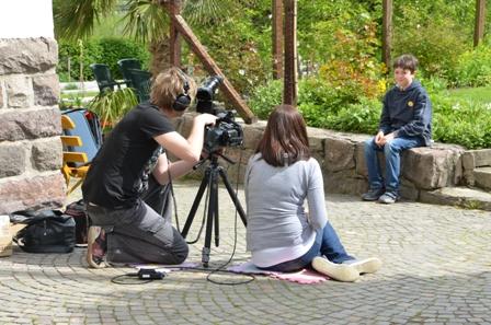 Filmteam aus München kommt mich besuchen: Ich erzähle ihnen von meinem Hobby.